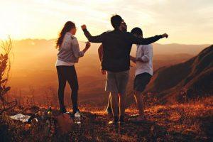 partir avec des amis